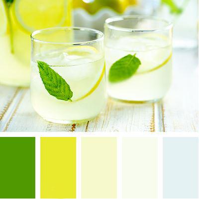 Barevná paleta pro svěží letní kuchyni, která má dost přímého světla. Světlé pastelové odstíny ledového koktejlu osvěží a zelená barva zvedne náladu i vzamračeném ránu.