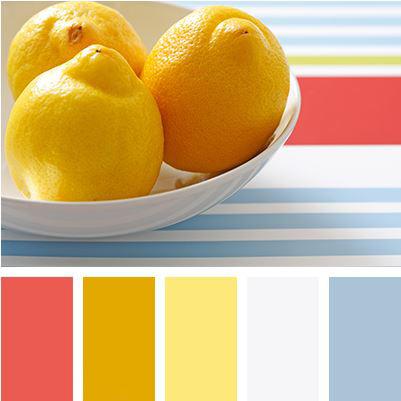 Dokonalá letní paleta přinese do vaší kuchyně svěží mořský vánek. Studené modré odstíny a bílá barva jsou perfektní volnou kteplým žlutým odstínům a šarlatově červené. Ta by vinteriéru neměla příliš dominovat, aby vás nelákala kpojídání.