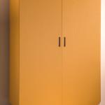Akcentem může být i samostatná žlutá skříň
