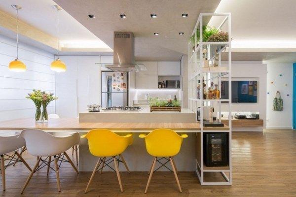 Jídelnu prozáříte žlutými židlemi