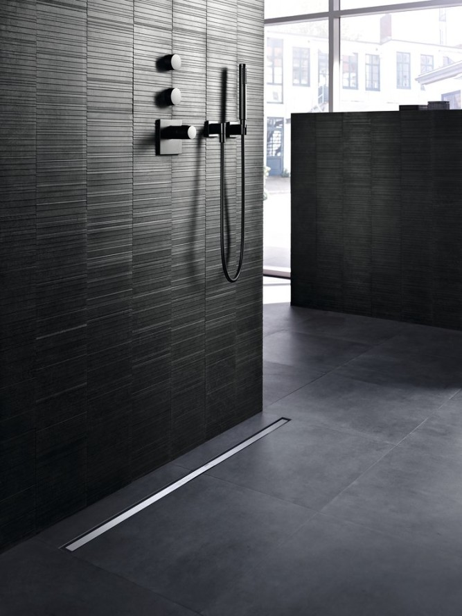 Sprchové kanálky Geberit CleanLine lze umístit kamkoliv a upravit je přesně na míru velikosti Vašeho sprchového koutu.