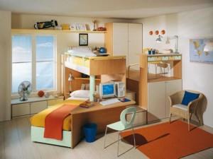 V tomto případě je součástí sestavy také pracovní místo a úložný prostor.