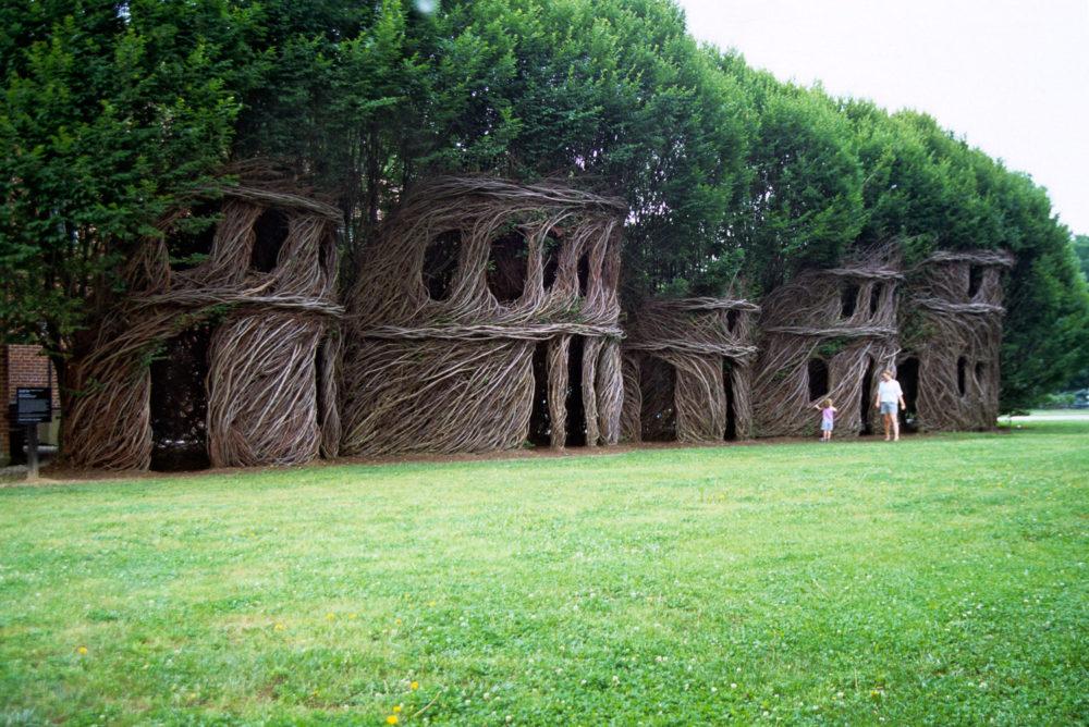 Proutěné domky podle Patricka Doughertyho