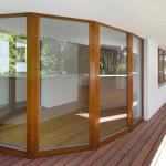 Vyzděný balkón zabraňuje přímému pohledu do interiéru, a tak majitelé mají dostatek soukromí.