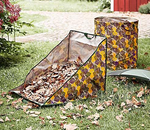 Tvarem přizpůsobený box na shrabování listí.