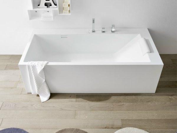 Vana s integrovanou baterií je vhodná spíš jen pro koupel než i pro sprchování.