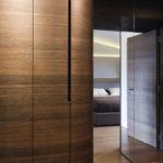 I vestavěné skříně mají zaoblené tvary.