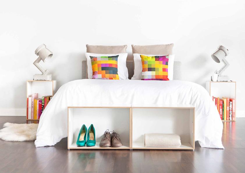 Přepravky jsou v tomto případě použity v nohách postele.