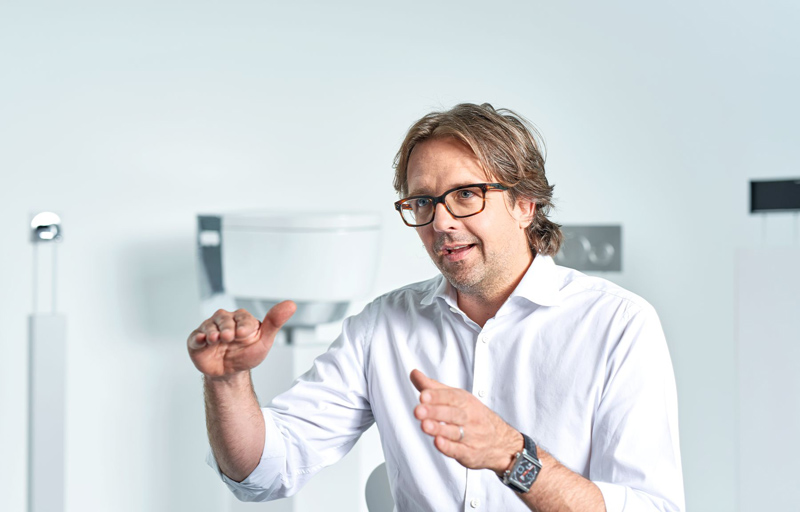 Christoph Behling navrhuje pro Geberit a také je hlavní designér TAG Heuer.