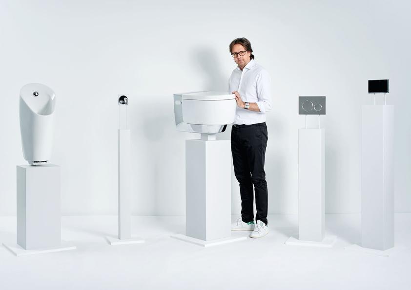 Za designem toalety AquaClean Mera je charismatický Christoph Behling.