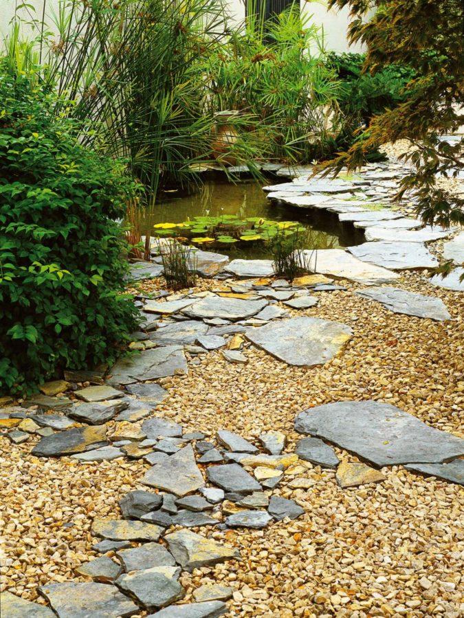 Efektně působí střídání větších a menších kamenů podobného tvaru.
