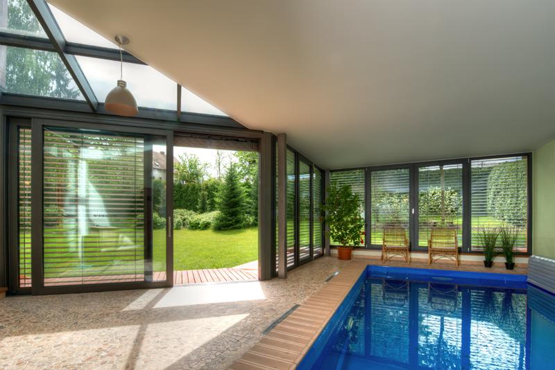Do zimní zahrady můžete umístit i bazén