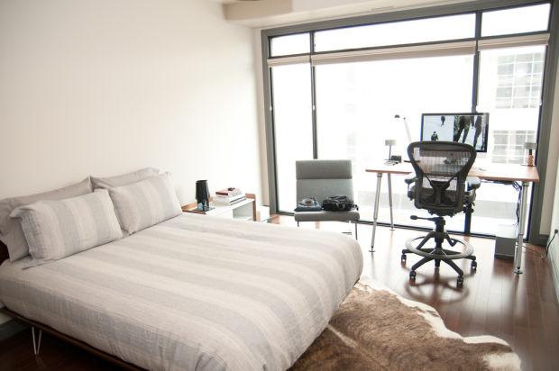 Přestože máte pěkný výhled z ložnice, pracovnu si zde nezřizujte. Při odpočinku ji budete mít stále na očích a to neuklidní vaši mysl.