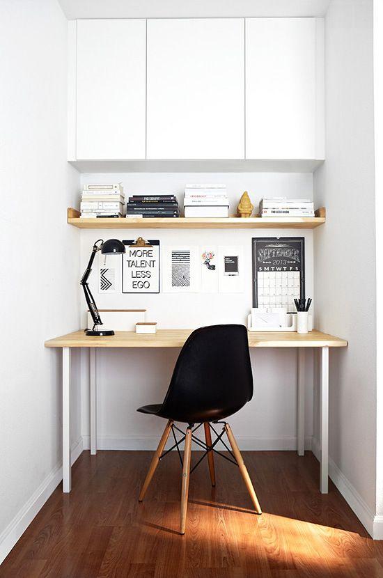 Nemáte-li místa nazbyt, pořiďte si vestavěné skříňky vysoké až ke stropu.