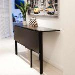 Máte-li dost míst, může být pevná část o něco širší a zastupovat funkci konzolového stolku.