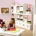 Výška úložného nábytku by měla být pro děti předškolního věku do 150 cm.