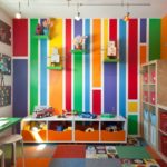 Velké množství barev může spíše uškodit. V pokoji by dítě mělo najít i klid.