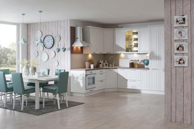 Kuchyně Astoria, přední plocha MDF 16 mm silná, frézovaná po obvodě, lisovaná folie. Cena 9 559 Kč/bm včetně pracovní desky.