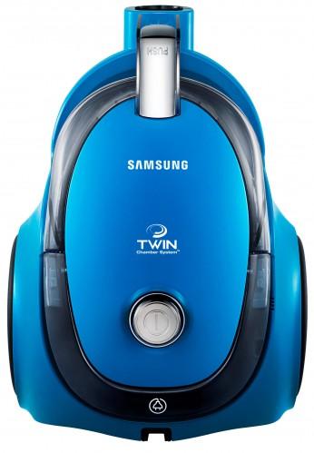 Bezsáčkový vysavač Samsung VC15QSNMAUB, sací výkon 340 W, příkon 1 500 W, 1,5 l nádoba na prach, hubice na parkety, štěrbinová hubice. Cena 2 799 Kč.