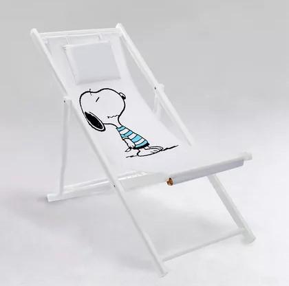 Plážová židle Beach boy z bíle lakovaného platanového dřeva s odnímatelným polyesterovým potahem. Možnost nastavení sedu do 4 poloh. Cena 1 490 Kč.