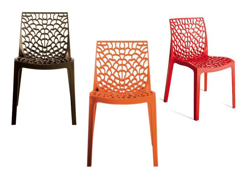 Stohovatelná jídelní židle Gruvyer, plast, cena 1 099 Kč.