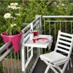 Balkonový skládací stůl Lodge, Naolejované certifikované akátové dřevo FSC, rozměr 60 x 40 x V 63,5 cm, cena 1 290 Kč.