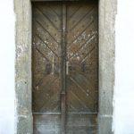 Vstupní dveře ze zahrady před rekonstrukcí
