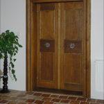 Dveře z haly do ložnice v 1. patře po celkové opravě restaurátorským způsobem