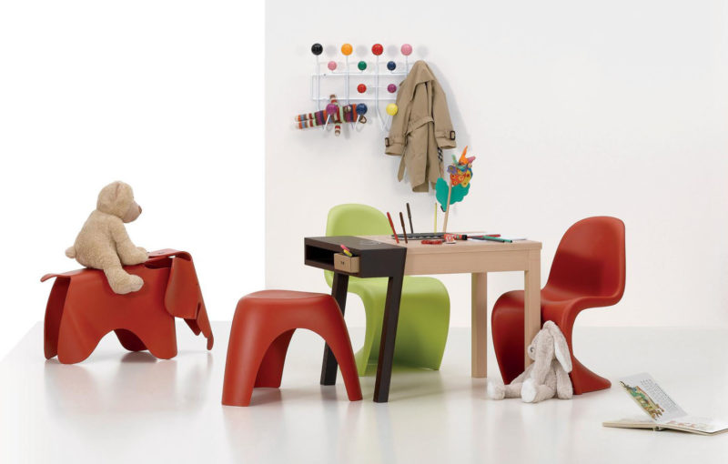 Panton chair junior a Elephant, Vitra