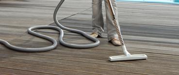 Vhod může přijít i vývod na terase. Sem se zpravidla hodí vysavač s možností mokrého vysávání.