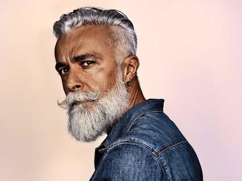 Alessandro Manfredini je modelem firmy Solomon´s Beard-Only for important beards! a obchodním ředitelem u italské firmy Marazzi.