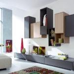 Pomocí různě vysokých a uspořádaných skříněk získáme na stěně výrazný solitér