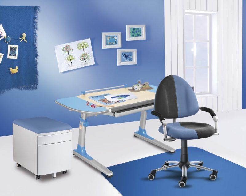 Z pohledu fyzioterapeuta je kvalitní pracovní židle velmi důležitá (viz. info na konci článku).