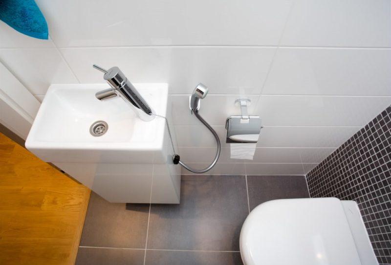 Instalujte-li bidetovou spršku zajistěte i přívod teplé vody.