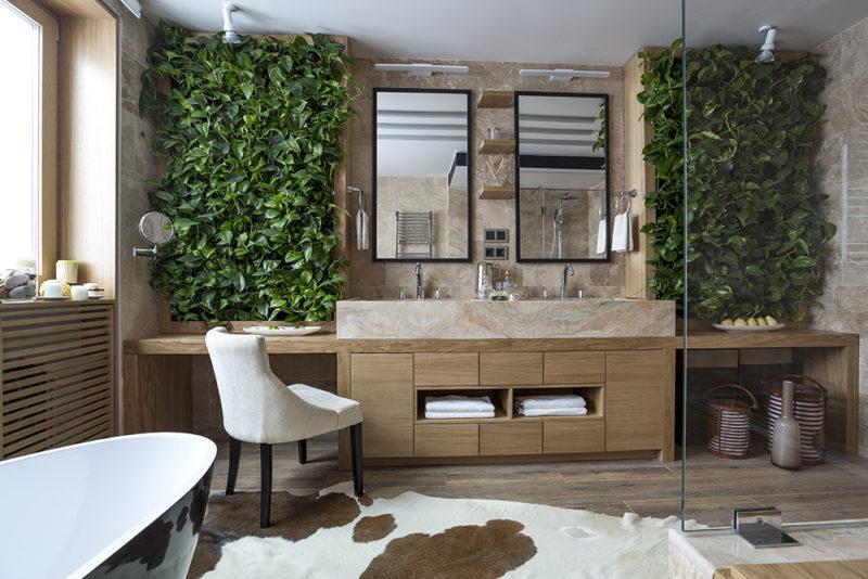 """Být ekologický v koupelně můžeme zejména použitím baterií s úsporou vody. Nic nezkazíme ani """"zelenými zdmi""""."""