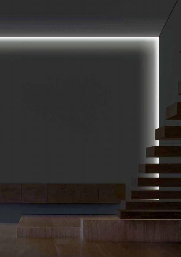 V interiéru velmi příjemně působí LED pásky. Můžeme ji mi ohraničit hranu nebo vymezit prostor.