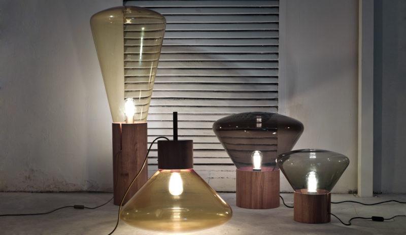Muffins, tónované sklo a dubové dřevo, design Lucie Koldová a Dan Yeffet, Brokis