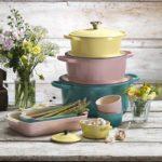 Kuchyním ve stylu Provence sluší pastelové barvy