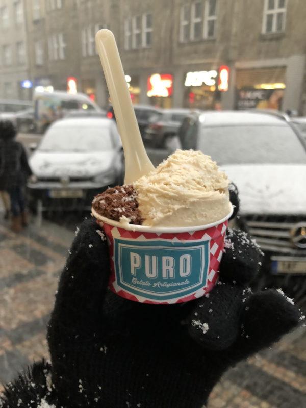 Zmrzlina z Puro gelato v Kaprově ulici